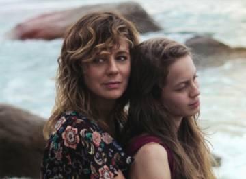 e38ac805ddcdc Las hijas de Abril  Michel Franco y la madre española