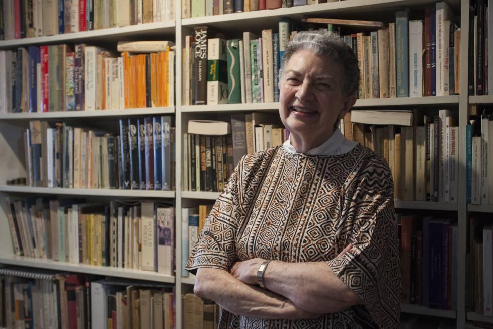 La escritora Angelina Muñiz-Huberman en su casa en Ciudad de México.