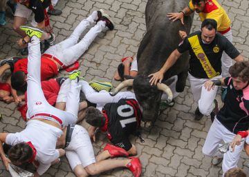 Two runners gored on second day of the Running of the Bulls in Pamplona