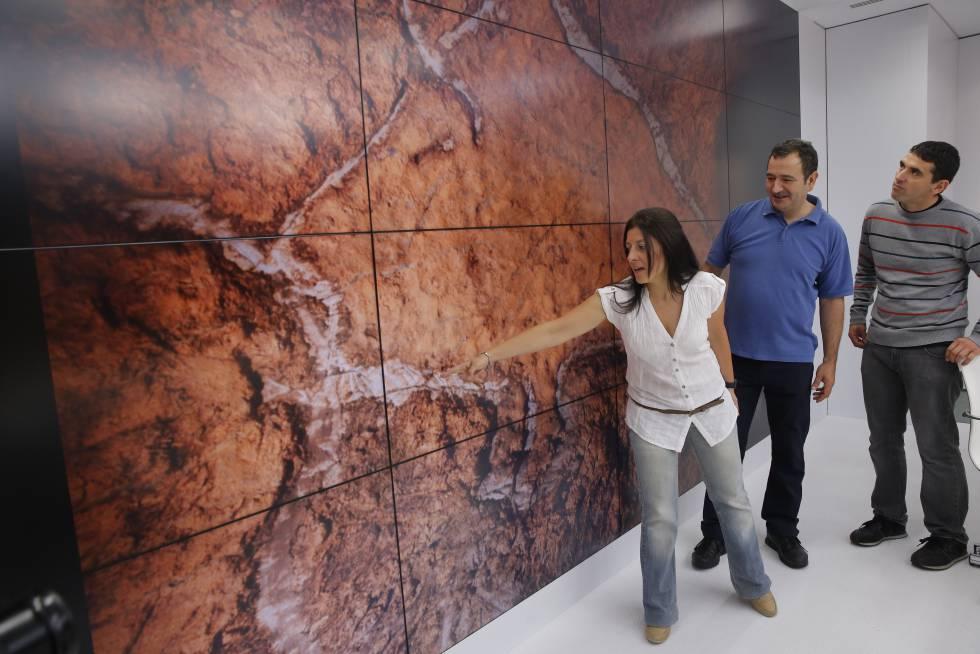 De izquierda a derecha: Ainara Rodríguez, Javier Buselo y Sergio Laburu.