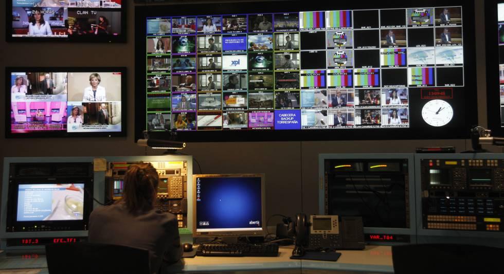 Control de emisiones de televisión de Cellnex en Torrespaña.