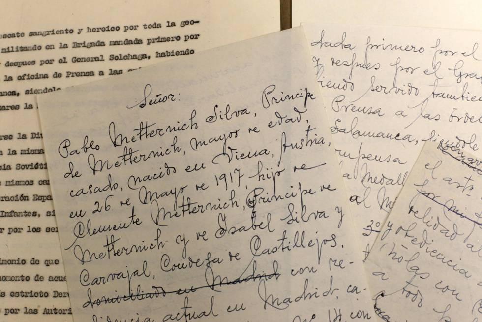 Borrador manuscrito del príncipe vienés Pablo Metternich en el que pide a Franco la nacionalidad española.