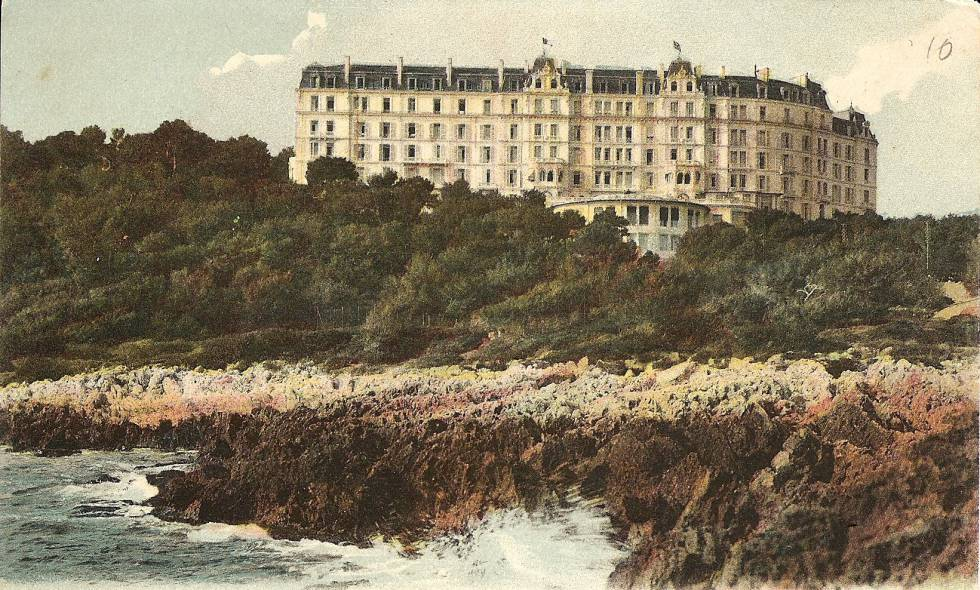 El Grand Hôtel du Cap-Martin, en los Alpes marítimos franceses, que recreó F. Scott Fitzgerald en su novela 'Suave es la noche', de 1934. La imagen es una postal de 1920.