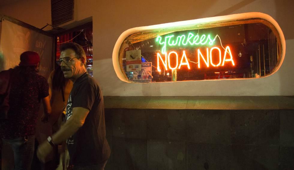 La entrada del Yankees, el bar de los dueños del famoso Noa Noa.