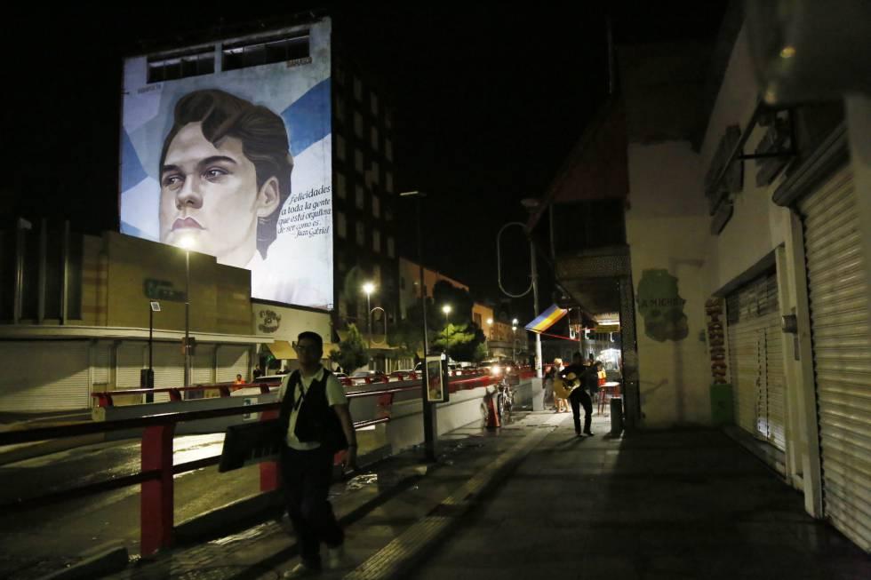 Alberto Aguilera está muerto, que viva Juan Gabriel