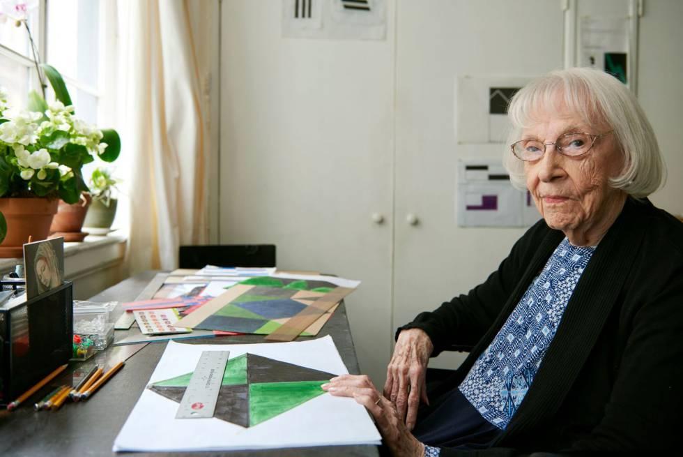 Carmen Herrera, en su estudio en Nueva York.