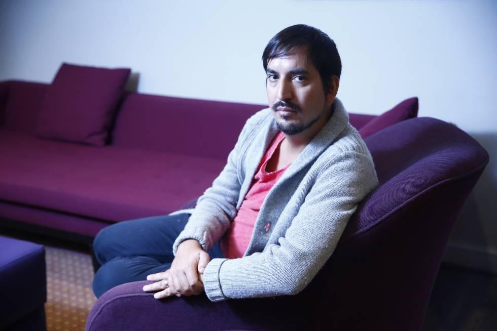 El escritor chileno Carlos Labbé.
