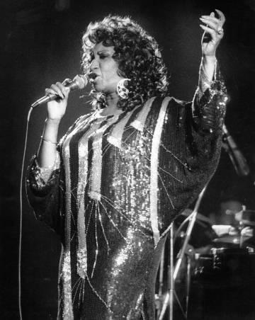 Celia Cruz, en torno a 1980.