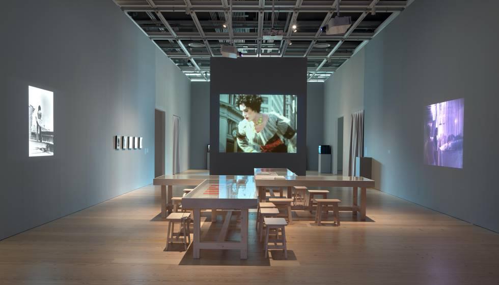 Sala del Whitney con obras de Hélio Oiticica.