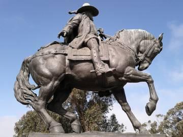 Estatua del capitán Juan Bautista de Anza en el Lago Merced, San Francisco.
