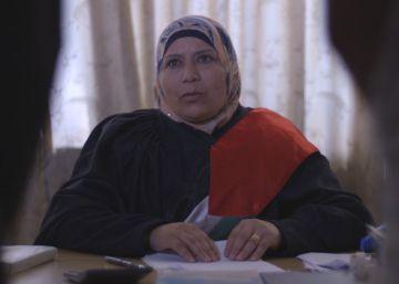 La educación como arma para la primera jueza palestina