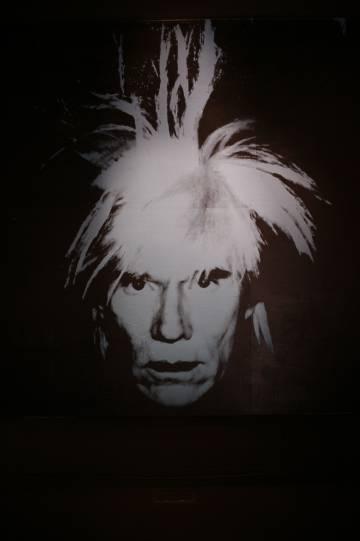 Autorretrato de Warhol, que se ewxhibe en Barcelona.