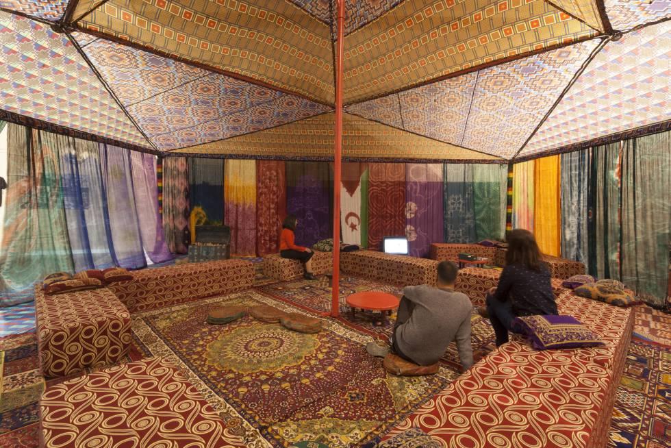 Proyecto 'Tuiza. Las culturas de la jaima', de Federico Guzmán, en la muestra 'Provincia 53' del Musac.