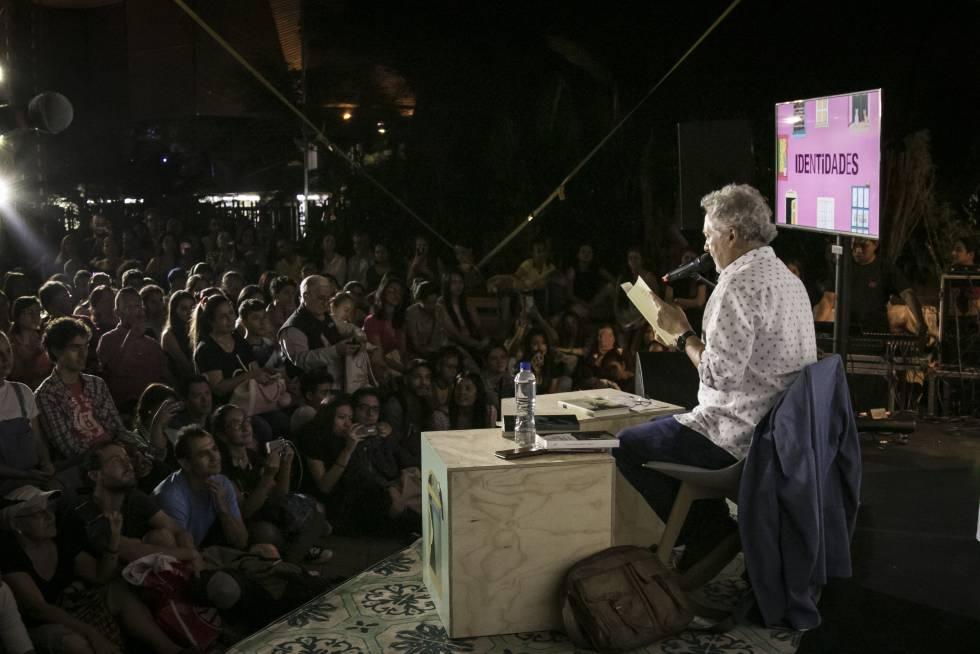 Lectura de Héctor Abad Faciolince en la Fiesta del Libro de Medellín.