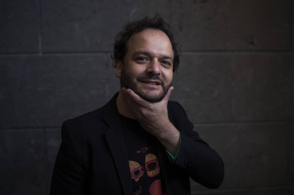 El escritor Juan Cárdenas