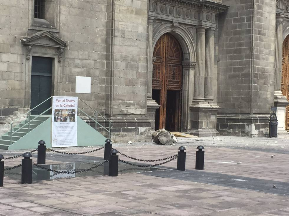 La caída de escultura de La Esperanza en la catedral mexicana.