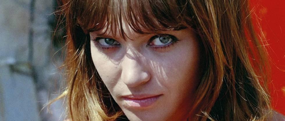 Anna Karina durante el rodaje de la película 'Pierrot le fou' (1965), de Jean-Luc Godard.