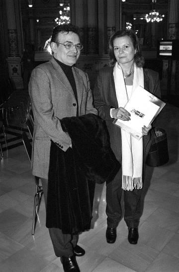 Los escritores Terenci Moix y Carme Riera, en 2001.