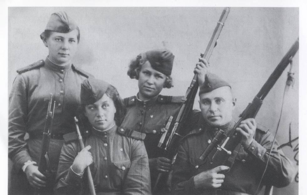 Las chicas que les volaban los sesos a los nazis