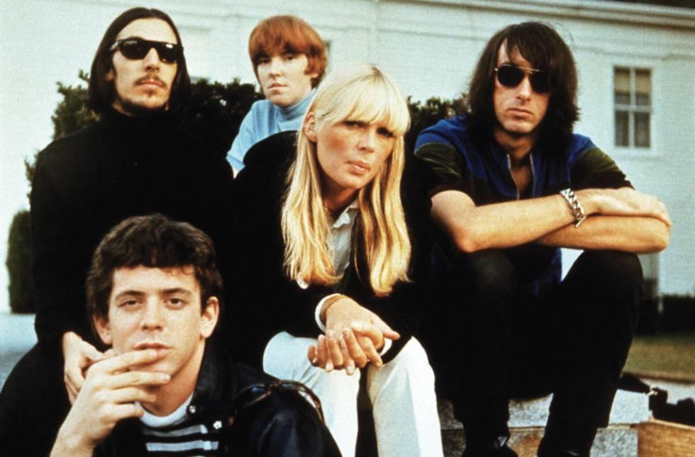 The Velvet Underground, con Nico en el centro, a finales de los sesenta.