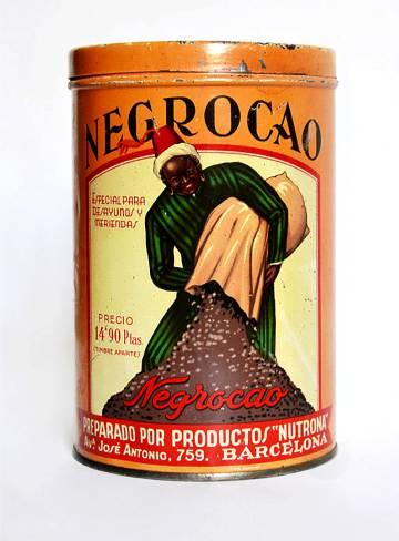 Una imagen del libro con un bote de cacao en polvo.