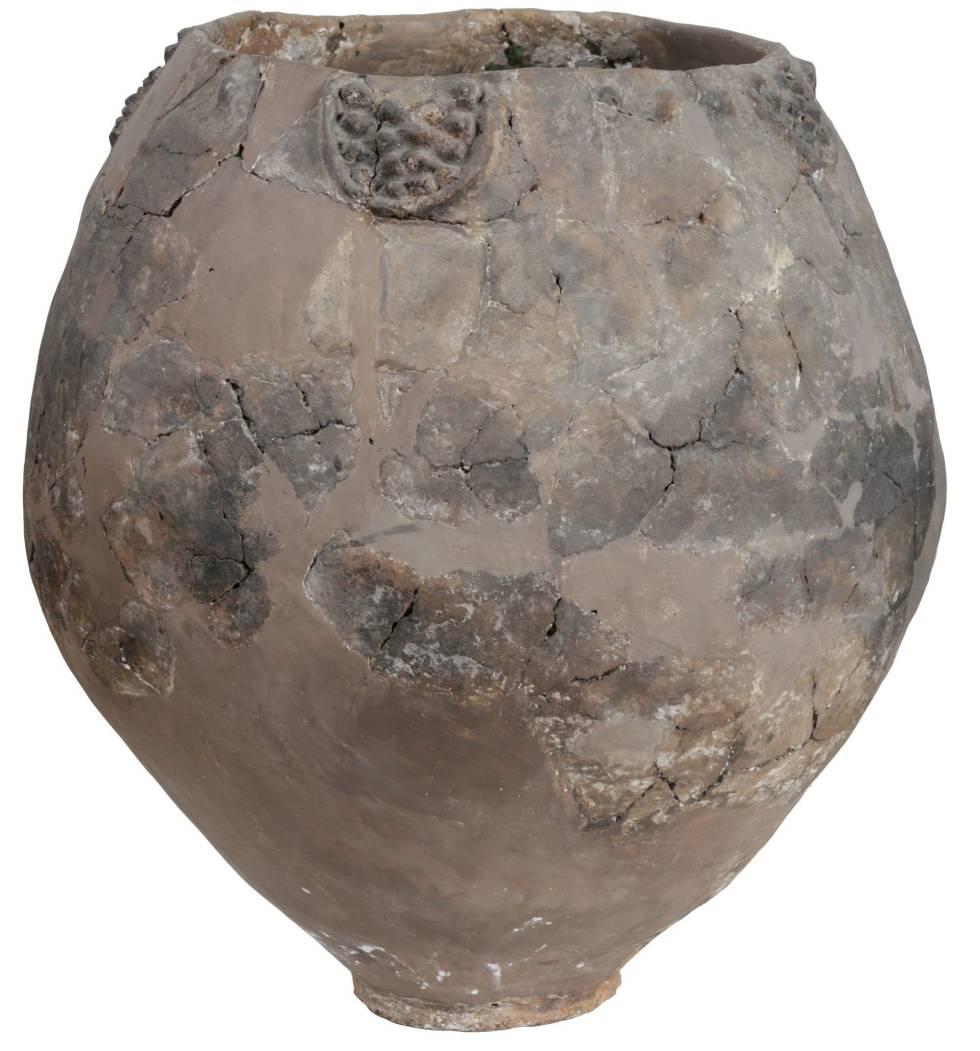 Ejemplar de jarra neolítica para vino en el Museo Nacional de Georgia.