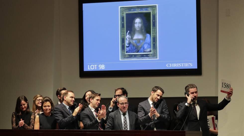 Momento en el que concluye la subasta de la obra de Leonardo da Vinci