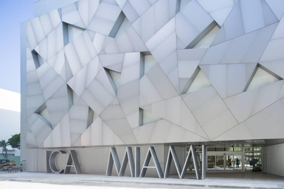 Miami atraviesa el espejo