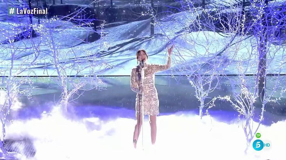 Alba Gil, ganadora de 'La voz 5', durante la final del programa.