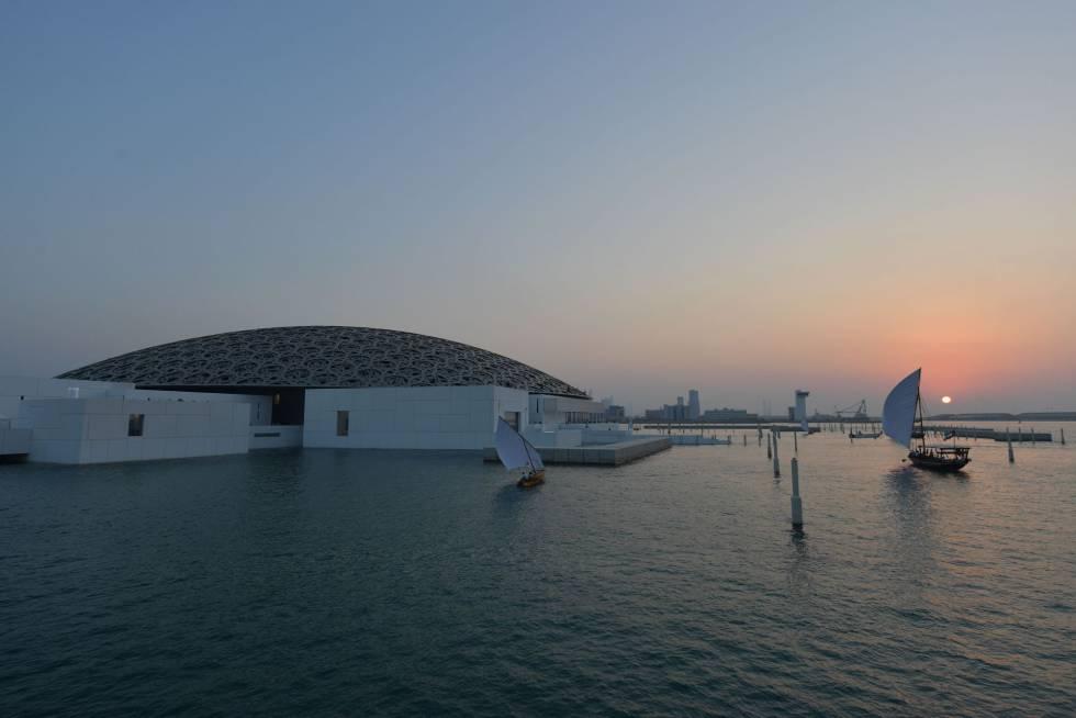 Una vista general del Museo Louvre de Abu Dhabi.