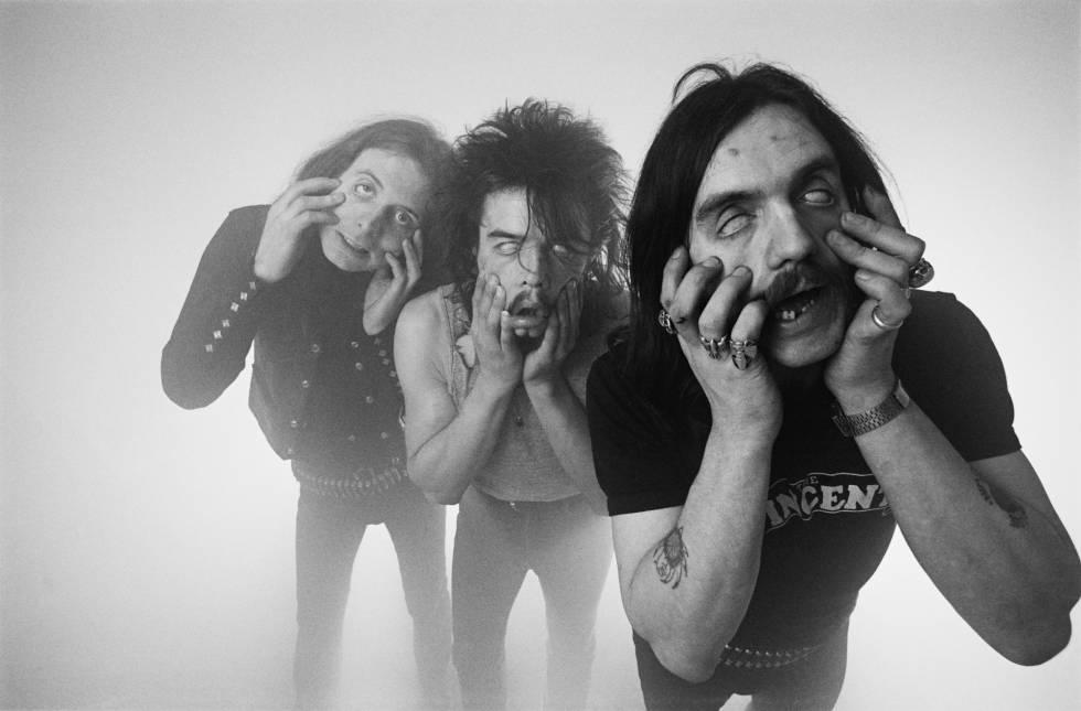 Los miembros de la banda británica Motorhead, en Londres en diciembre de 1980.