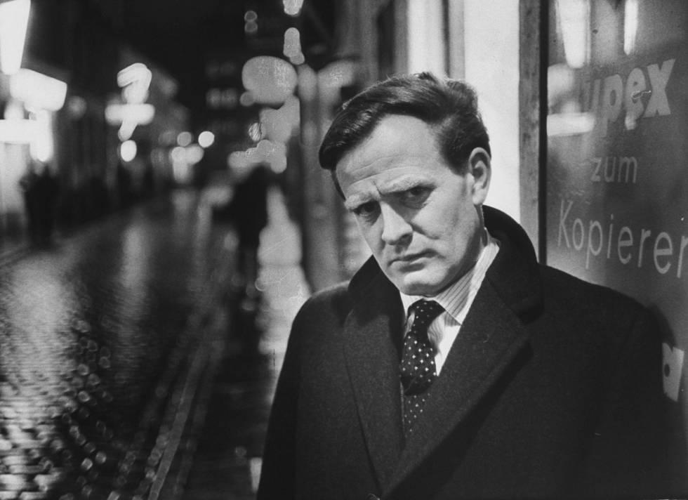 El escritor John Le Carré, en 1963.rn