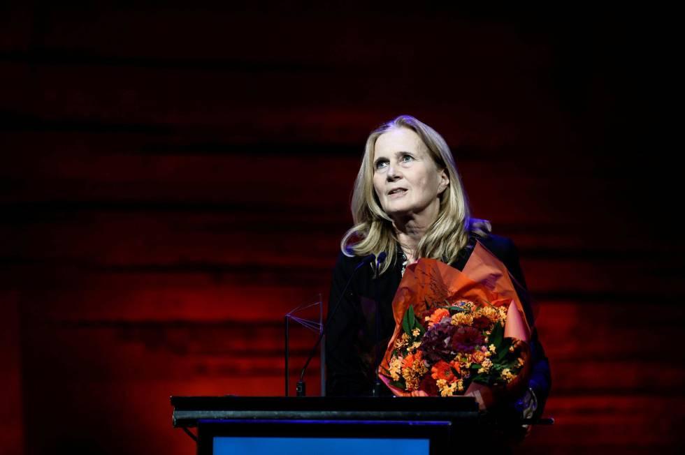 La académica sueca Katarina Frostenson al recibir un premio literario en Copenhagen en 2016.