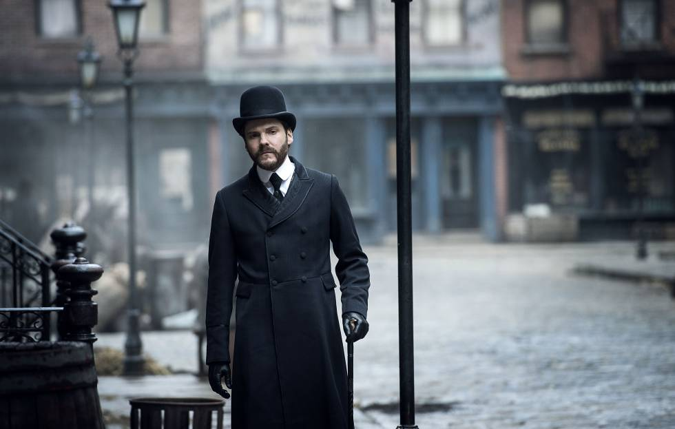 Daniel Brühl, en 'The Alienist'.