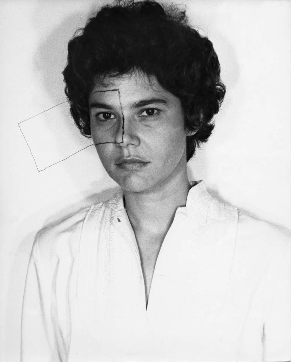 'Untitled' (Self portrait with Square, 1973), de Liliana Porter.