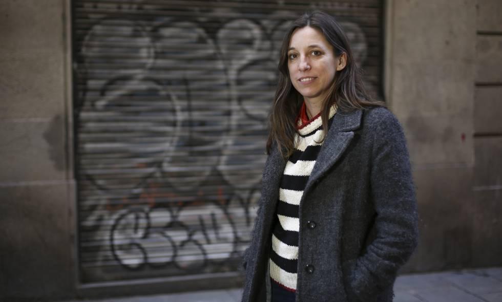 La escritora y periodista Llucia Ramis, en Barcelona.