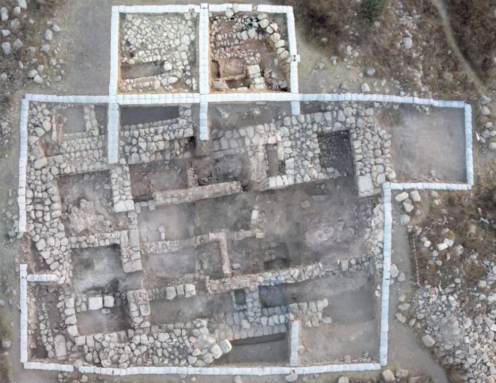 Fotografía aérea de la gran residencia hallada en Tel 'Eton.rn