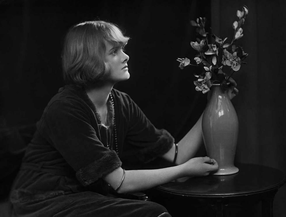 La escritora Daphne du Maurier, fotografiada en 1930.