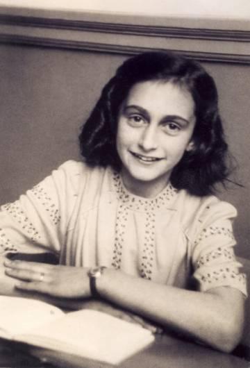 Ana Frank, en una fotografía de diciembre de 1941.