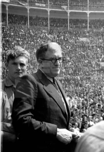 El dirigente socialista Julio Álvarez del Vayo, en un mitin en 1936.