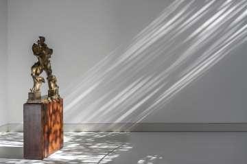 Escultura de Umberto Boccioni en la Fundación Norman Foster de Madrid.