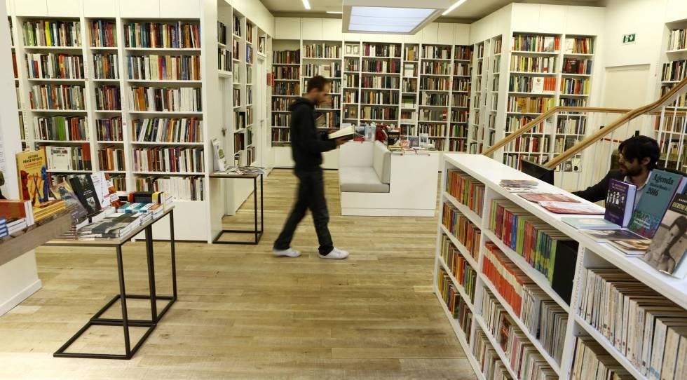Interior de la librería Juan Rulfo de Madrid.