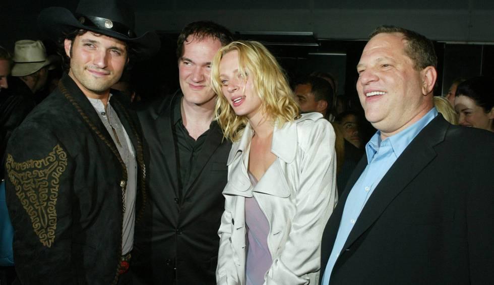 De izquierda a derecha, los directores Robert Rodríguez y Quentin Tarantino, Uma Thurman y Harvey Weinstein en Los Ángeles en 2004.