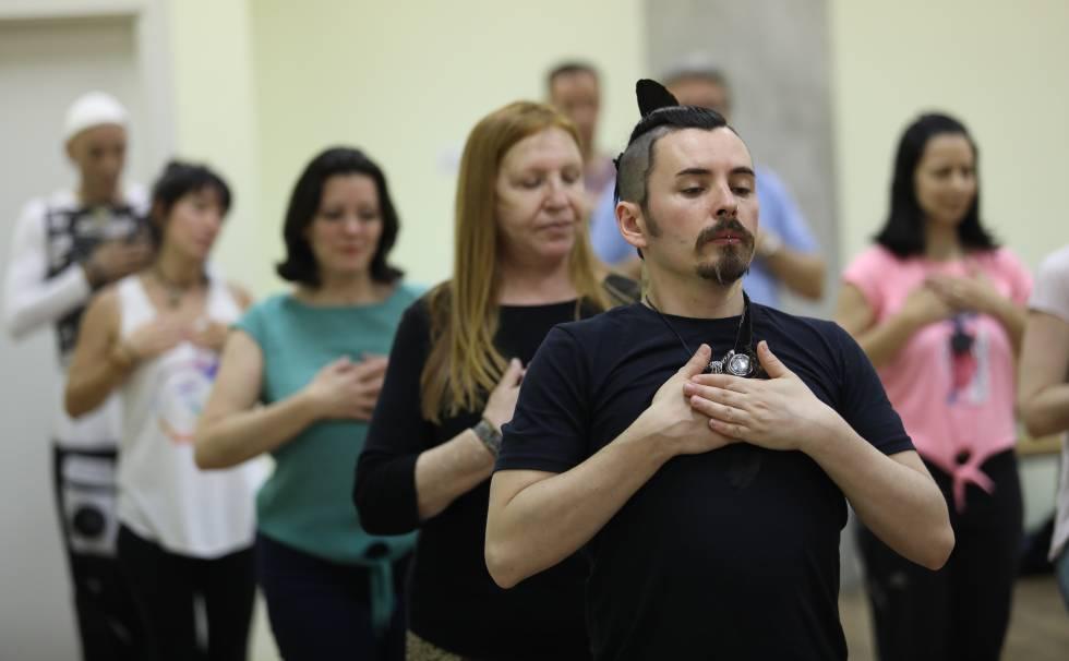 A meditation session run by the Osho Foundation in Guadarrama, Madrid.