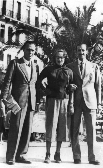 Desde la izquierda, Adolfo Bioy Casares, Silvina Ocampo y Enrique Luis Drago, en Cannes en 1949.