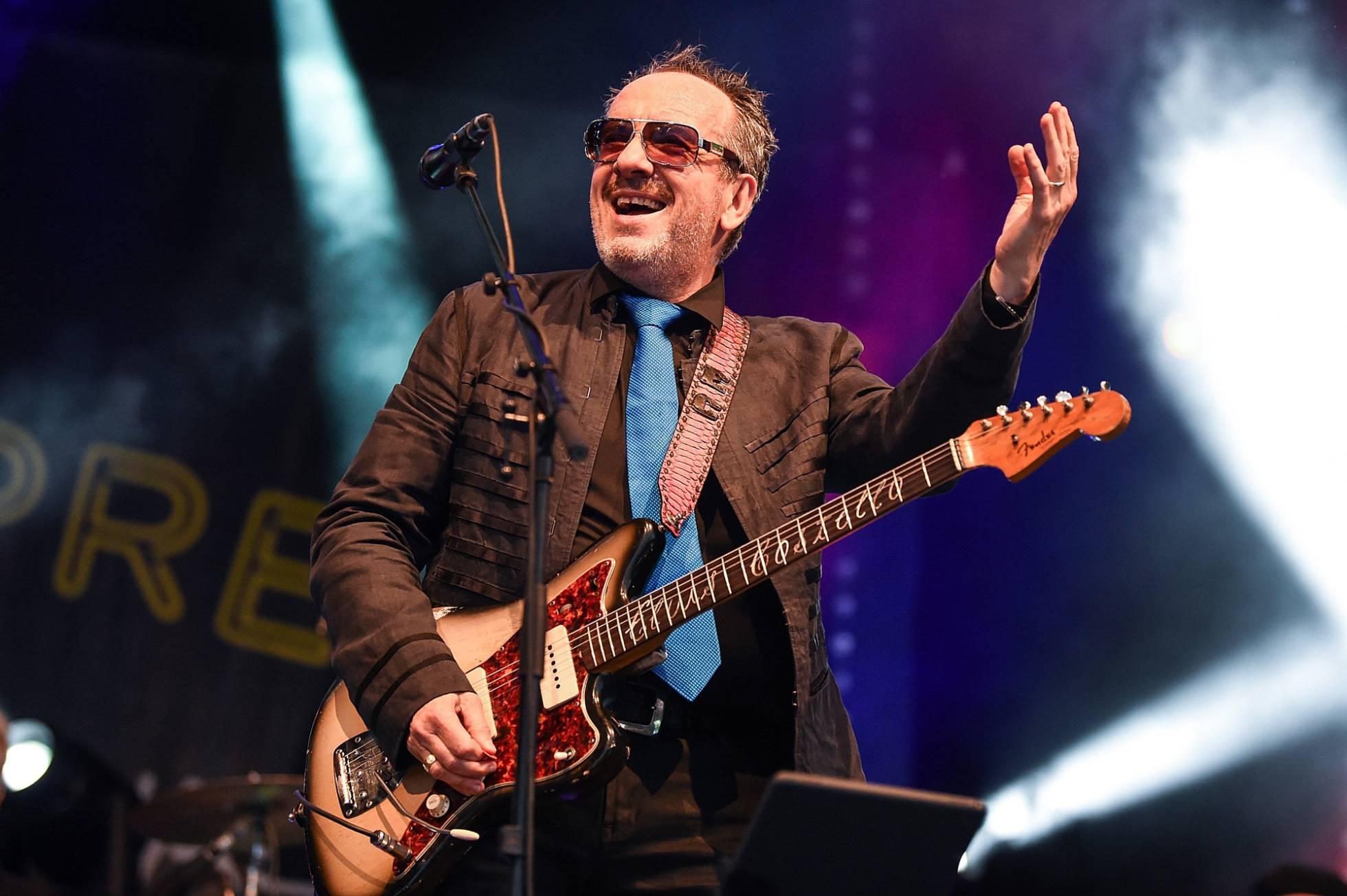 Elvis Costello - Página 4 1530873445_709353_1530873571_noticia_normal_recorte1