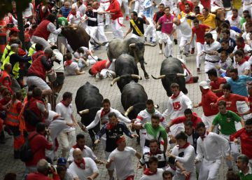 Six injured at a very quick Running of the Bulls on Day 8