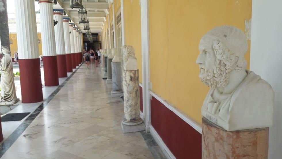 Busto de Homero en el Aquileón, la villa de la emperatriz Sissi en Corfú.