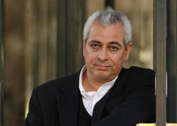 El escritor peruano Jorge Eduardo Benavides gana el Torrente Ballester