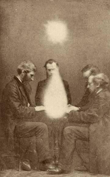 Sesión de espiritismo en Bristol en 1872.